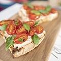 鄉村麵包搭瑞可達、小番茄、羅勒 - 5