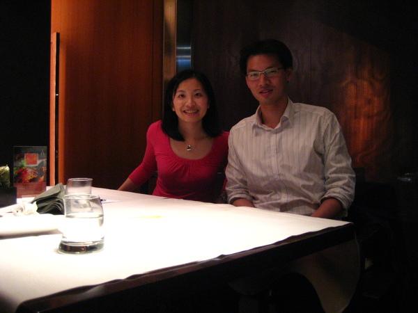 晚上和蔚鑫在Sheraton飯店的泰國餐廳聚餐