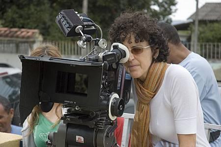 1-Director Malu De Martino; photo by Celso Pereira.jpg
