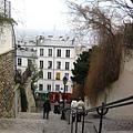 爬上聖心堂的樓梯.jpg