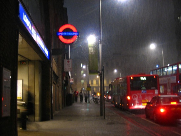 London Bridge in snow.jpg