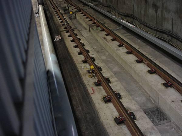 G11下層月台小南門線時期絆腳桿