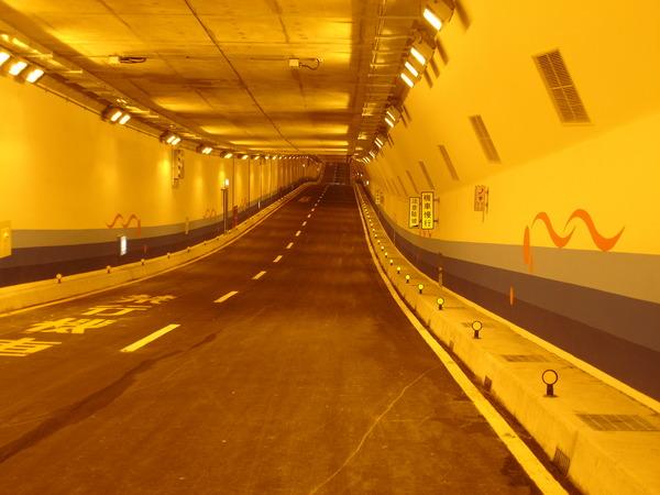 復興北路車行地下道 南向隧道