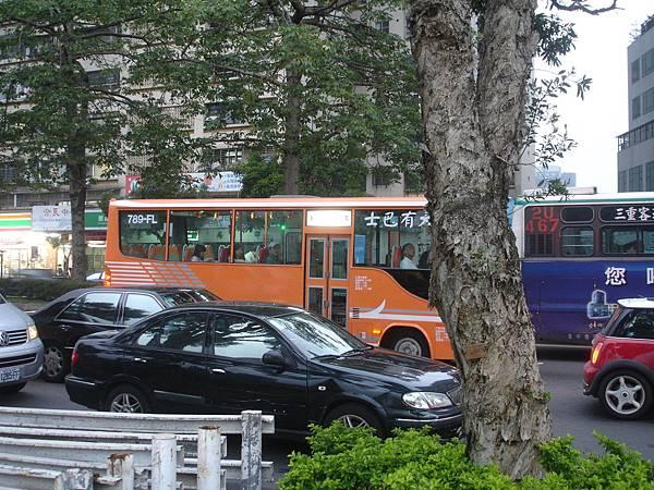 大有巴士新車-2