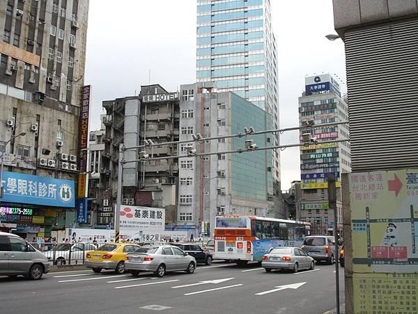 懷寧街口「台北廣場大樓」