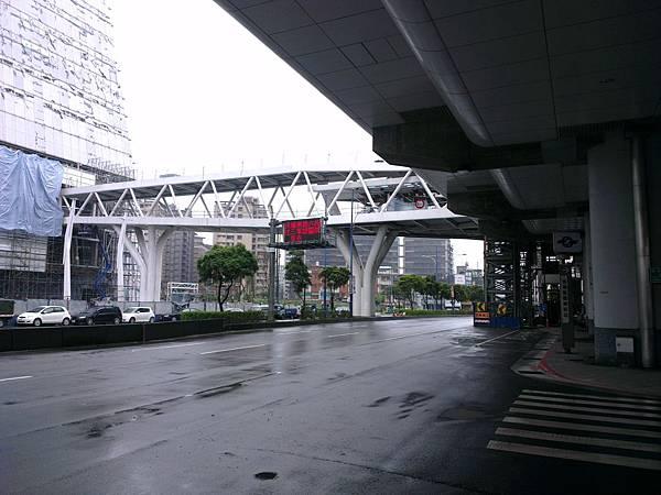 南港軟體園區新增出入口及空橋現況