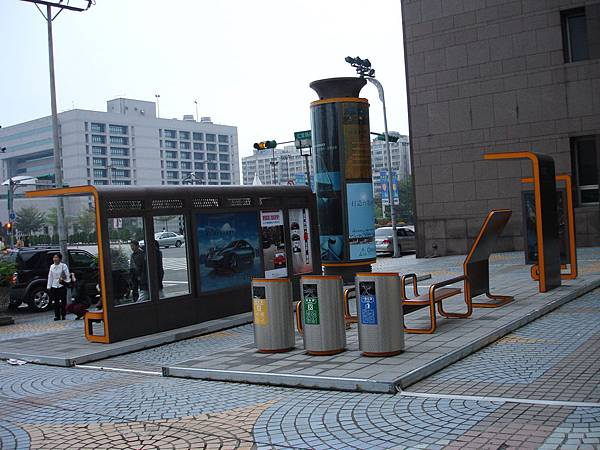 台北市2005年的街道家具夢想(4/4)