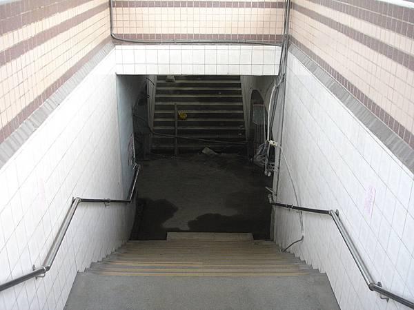 瑞芳站地下道2007