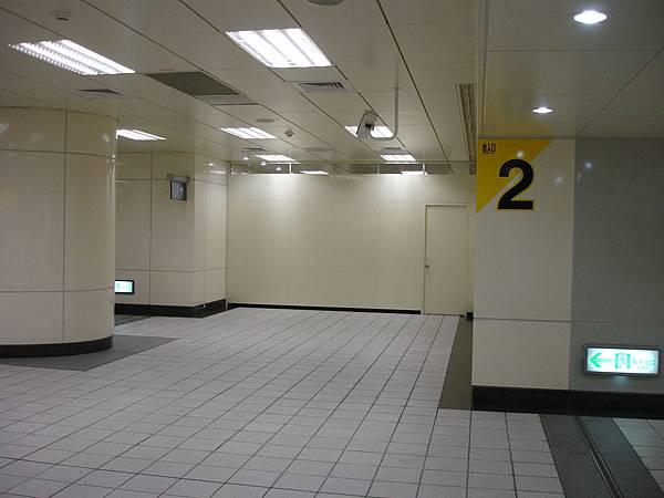 行天宮站出口2不知名空間