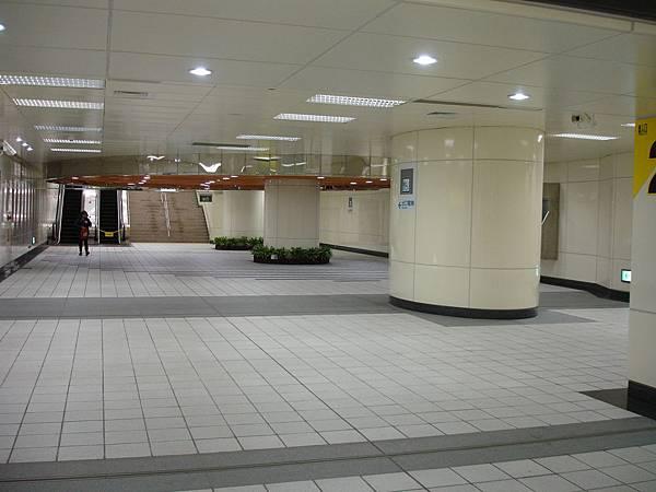 行天宮站出口2