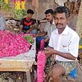 廟外賣花的小販,人很和氣