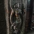 雕刻精美的女神像
