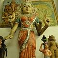 掌管學習的女神Sarasvati,但是這尊沒有拿琴@@....
