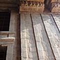 塔門內的雕刻