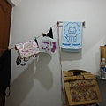 台灣好媳婦,洗衣要掛起來晾乾~ 帶2件衣服旅行的結果就是每天洗衣~