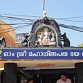 象神廟,旁邊有兩隻敬拜的鼠~