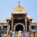 Padmanabhaswamy Temple 正面。是否可以進入神廟我並不在意,重要的是得尊重當地人對廟虔心尊敬的堅持。建廟不是給觀光客看的,這是我的神的屋子,人們信仰依歸之所。