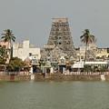 很遠就可以看到gopuram