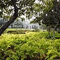 Tamil Nadu警察總局...很漂亮的花園~ (這張是偷拍的)