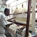 @Kanchipuram 絲綢工場~ 這裡產的名貴絲綢會銷到南印各處,也是婆羅多舞者製作高級舞衣的地方