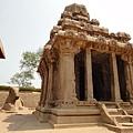 Arjuna Ratha~早期南印建築典型- 有三層階梯屋頂,從這座戰車的設計很明顯看到後來南印建造寺廟塔門的雛形