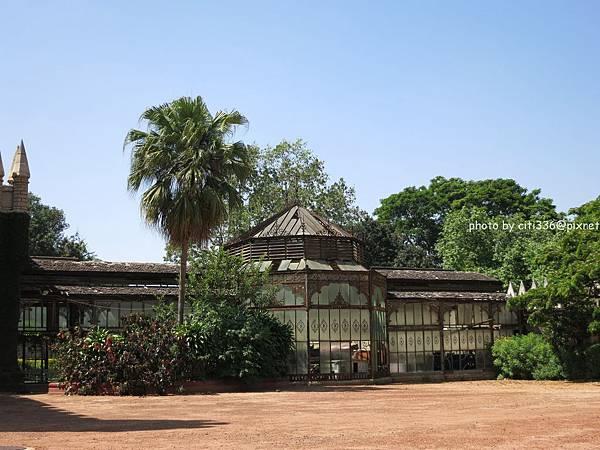 glasshouse_b-lore palace