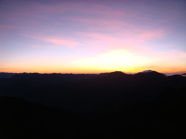 山頂的日出