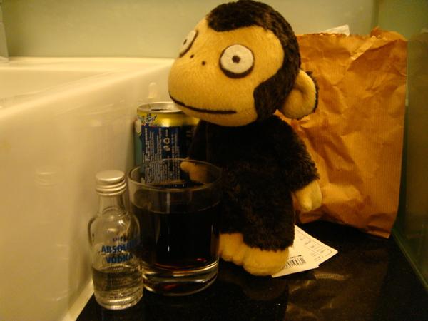 小猴陪我喝汽水加VODKA