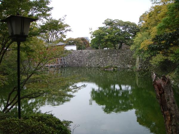 和歌山城下的庭院