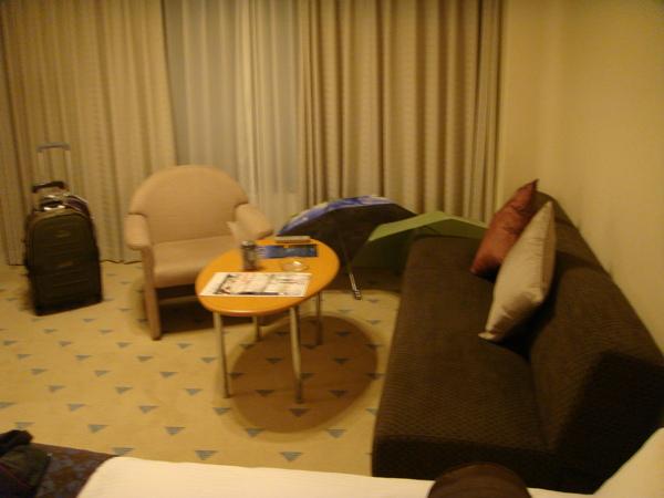 住到有小客廳的飯店,實在非常高興