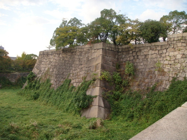 內護城河,已經乾涸了...有段歷史故事