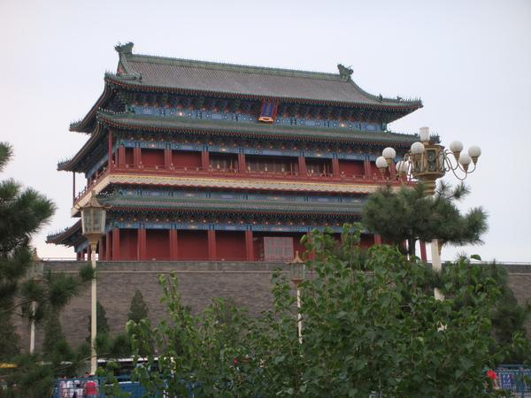 北京鼓樓,非常大的建築物,我喜歡他白天不點燈的樣子