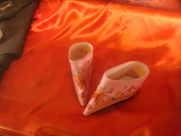 三寸金蓮 - 專門做鞋子的內聯陞展示窗