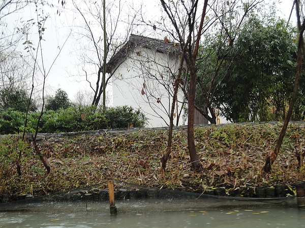 從上舟處一直坐到深潭口,深潭口是清朝賽龍舟的地方
