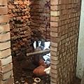 06舊屋翻修_紅磚牆_浴室翻修_隔間牆.jpg