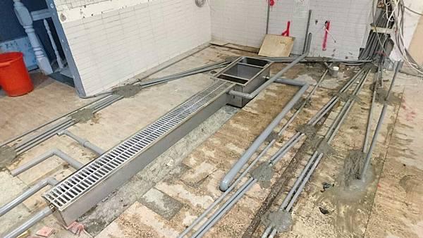 04-水電工程-餐廳廚房工程-餐廳廚房配管-給水-排水.jpg