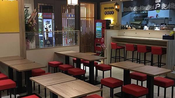 03_拉麵店裝潢_開店裝潢_餐廳裝潢設計_餐廳室內設計.jpg