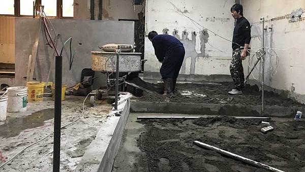 09_泥作_地面墊高_水管埋設_餐廚排水.jpg