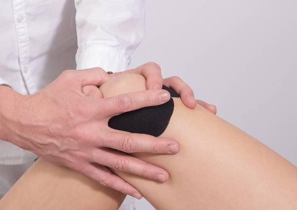 老人膝蓋保養