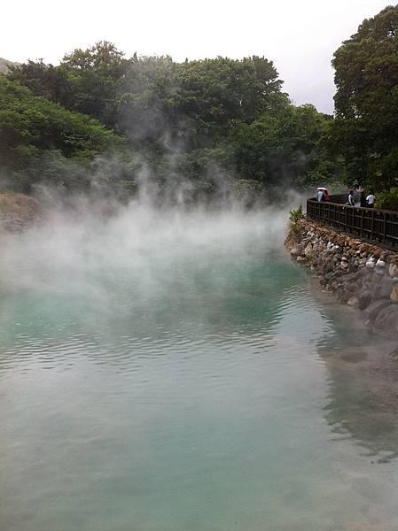雲煙緲緲,硫磺味四溢