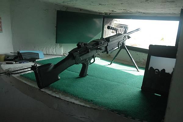 機槍耶,我最喜歡打槍了