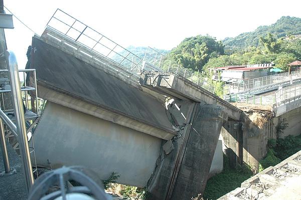 石岡大壩-2