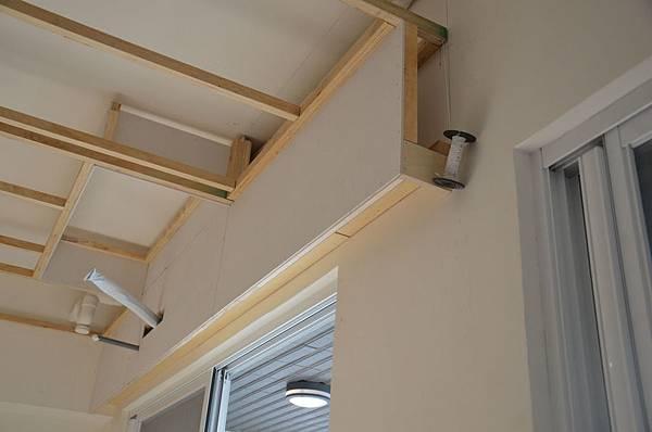 平釘天花板5-施作測量,抓準垂直的好工具