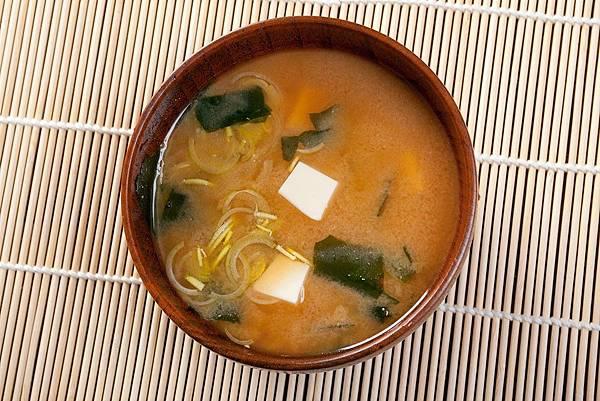 多吃空心菜、味噌湯 有助體內環保
