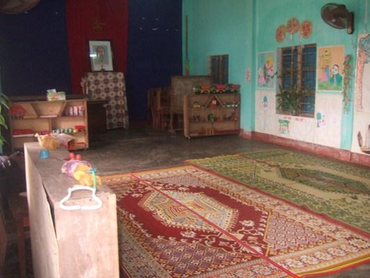 接用村的房間上學.JPG