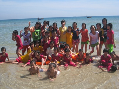 在海灘玩水好愉快.jpg