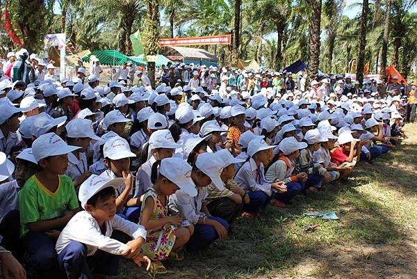 1000 孩子參加開幕儀式