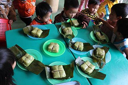Tất niên được ăn bánh chưng là sướng nhất1