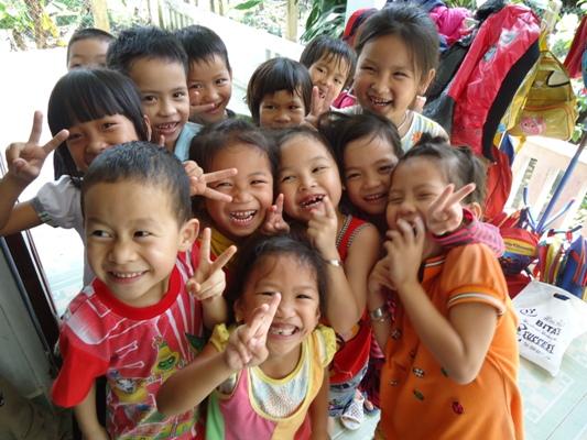Trẻ em như búp trên cành, biết ăn, biết ngủ, biết học hành là ngoan1