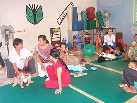 病童術后做復健訓練